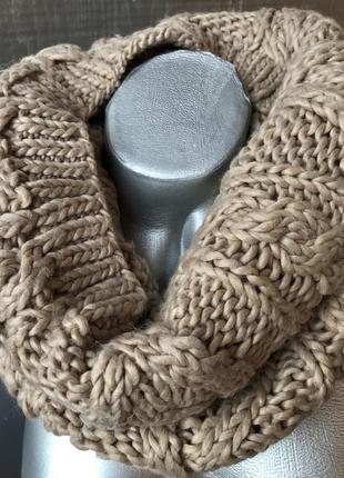 Шарф - хомут бежевого цвета с крупной вязкой ✨