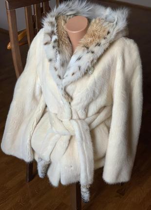 Норковая шуба с капюшоном из рыси