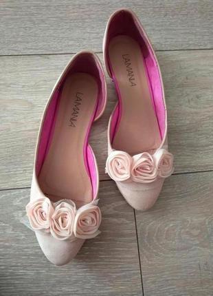 Нежные пудровые бархатистые балетки с розами!!! в подарок к любой покупке от 100 гривен!