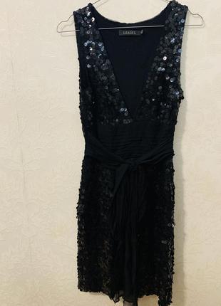 Праздничное платье в паетки