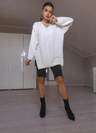 Стильный вязаный свитер бойфренд тренд 2019