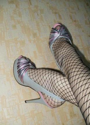 Шикарные туфли на шпильке туфли босоножки