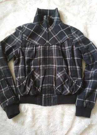 Шерстяна осіння куртка