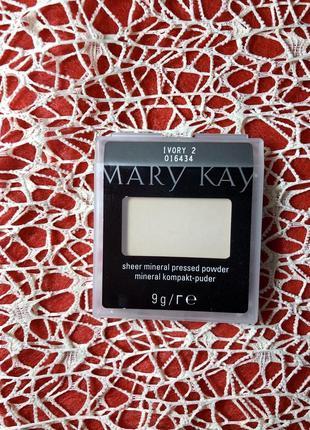 Компактная минеральная пудра слоновая кость 2 ivory 2 mary kay