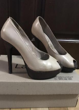 Классические туфли