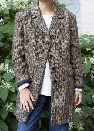 Демисезонное шерстяное винтажное пальто