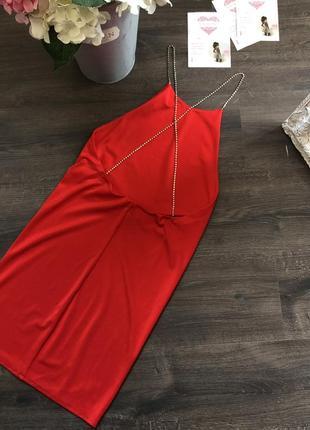 Красное платье на тонких лямках сваровски