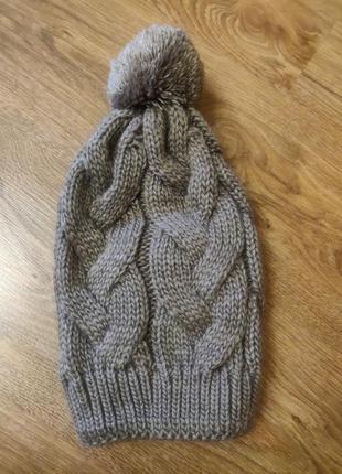 Теплая шапка с помпоном