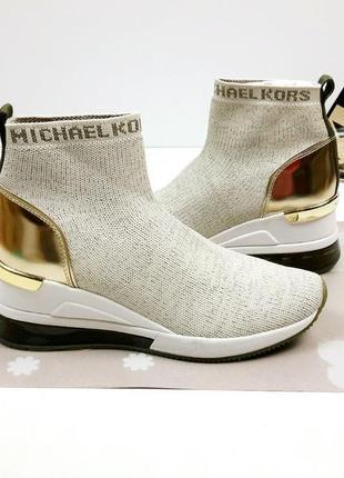 Великолепные, очень эффектные женские кроссовки майкл корс (michael kors).