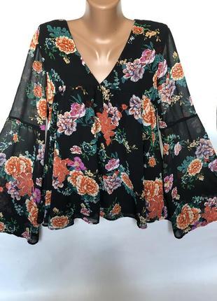 Шикарная блуза в цветах