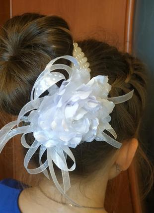 Украшение для волос из атласной ленты на гульку