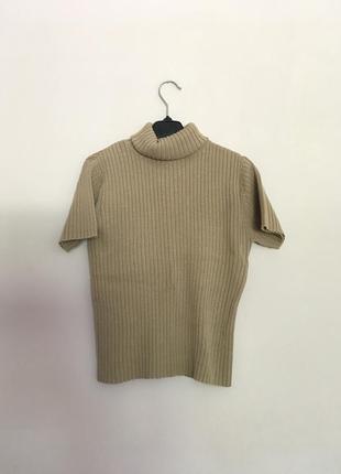 Пуловер с коротким рукавом песочно-горчичного цвета
