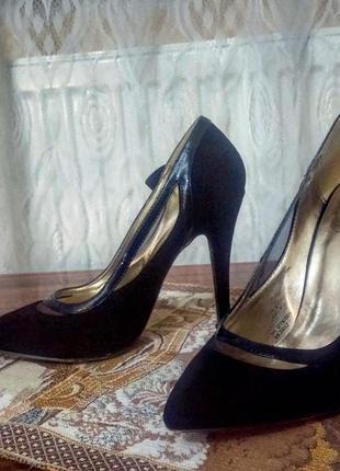 Клкссические черные туфли