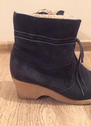 Теплые замшевые оченние ботиночки