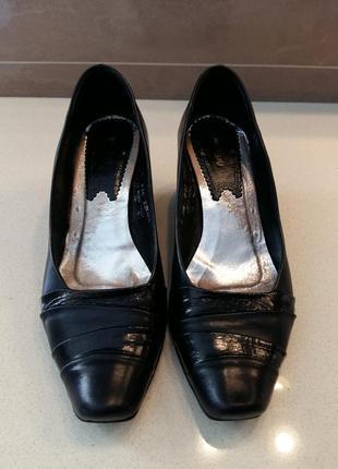 Туфли женские б/у кожа