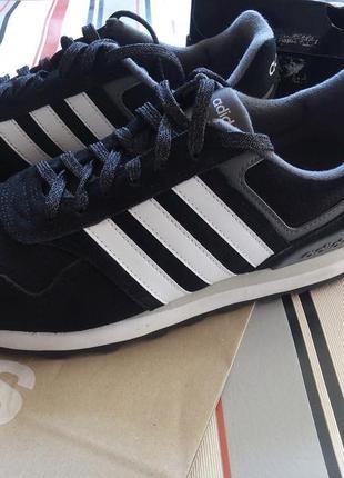 Оригинальные фирменные кроссовки