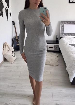 Платье миди по фигуре