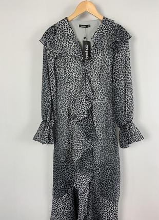 Шикарное платье макси в леопардовом принте с рюшами boohoo