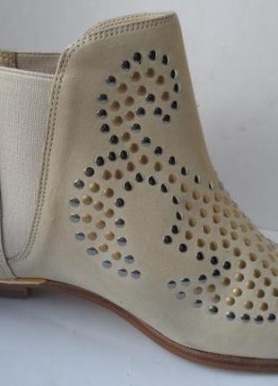 Суперовые ботинки челси из нубука с заклепками san marina