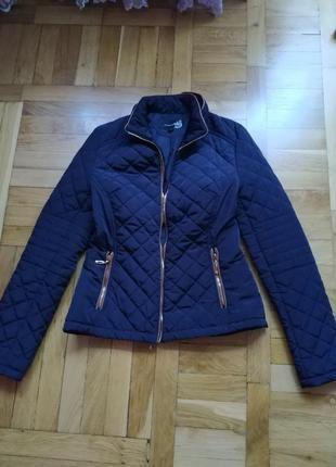 Продажа до 15.10 фирменная стильная осенняя куртка attentif