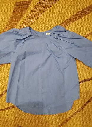 Красивая голубая блуза