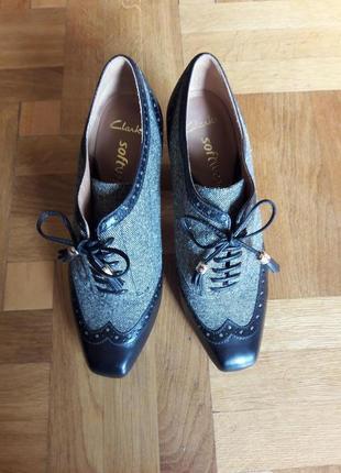 Туфли-ботильоны кожаные черные с серыми тканевыми вставками, высокий каблук1