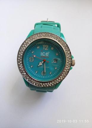 Часы женские ice watch
