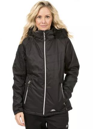 Черная женская куртка trespass непромокаемая s термокуртка теплая на осень ветровка