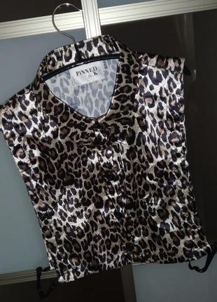 Воротник от рубашки тигровый