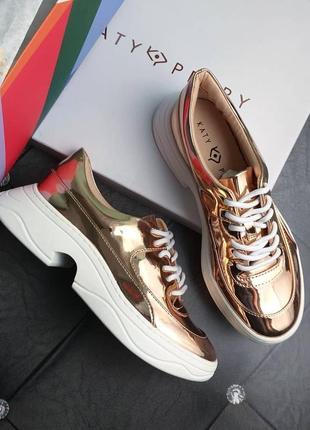 Katy perry оригинал золотые кроссовки на фигурнрй подошве