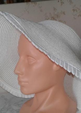Шляпа с большими полями без колпака