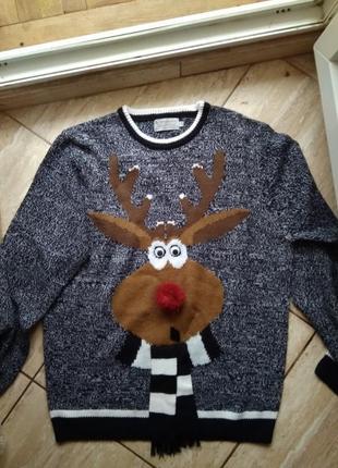 Новогодний свитер с оленем