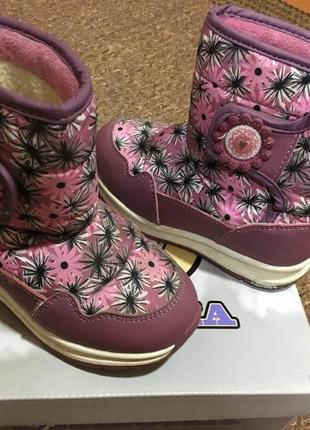Класні дутіки чобітки розмір 26