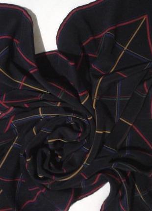 Прекрасный крепдешиноый платок подписной + 250 платков шарфов на странице