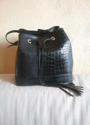 Итальянская кожаная сумочка бочонок vera pelle