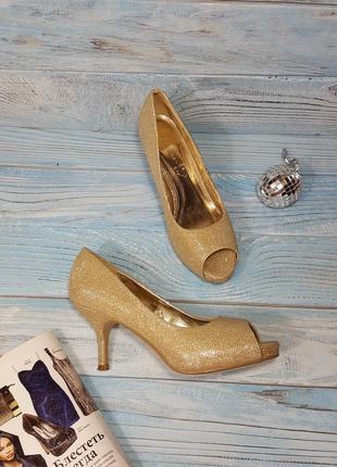 Золотистые блестящие праздничные туфли золушки лодочки на низком каблучке р. 39 (6)