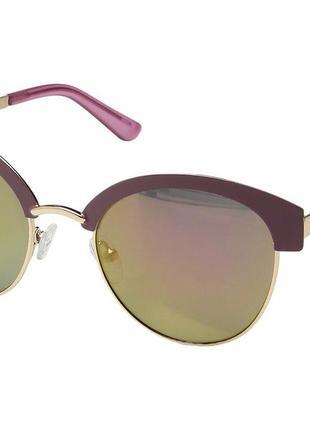 Солнцезащитные очки от guess
