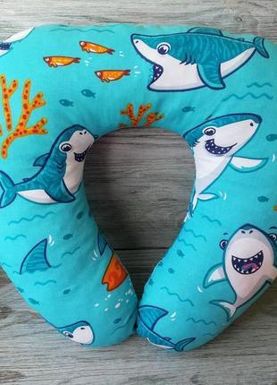 """Автомобильная подушка для путешествий u образная в авто в дорогу """"акулы"""", 41 см * 34 см"""