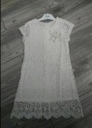 Шикарное кружевное платье айвори