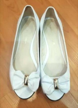 Босоножки-балетки кожаные белые venison