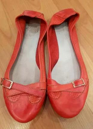 Балетки кожаные красные roberto netti