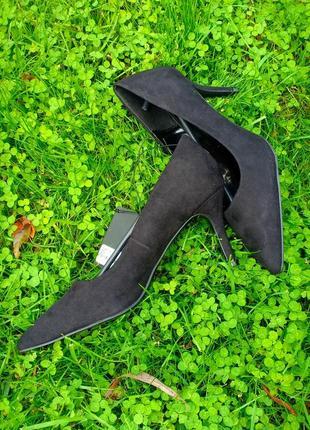Туфли классика forever21 размер uk6 (38)2 фото