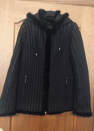 Теплая зимняя куртка из верблюжьей шерсти и пера, украшена норкой