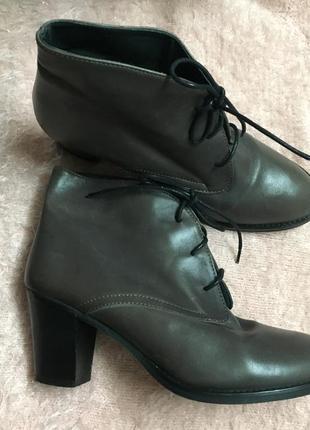 Стильные ботильоны на шнурках 💯 % кожа ботинки размер 39