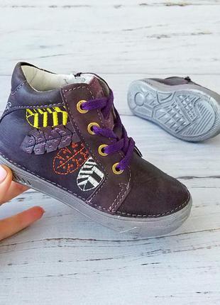 Кожаные ортопедические ботинки для девочек