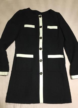 Осеннее черно белое пальто на пуговицах