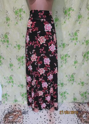 Трикотажная юбка в пол в цветочный принт