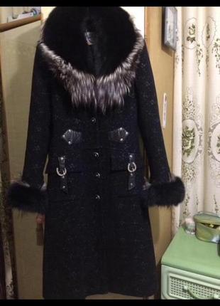 Зимнее пальто с натуральным мехом1 фото