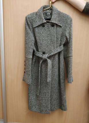Драповое серое пальто теплое