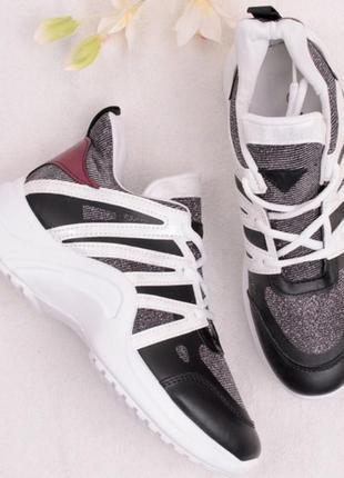 Спортивные кроссовки с люрексом2 фото
